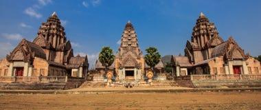 En khmerbyggnad som formas i Thailand Royaltyfria Foton