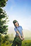 En kinesisk flicka i likformig royaltyfri foto