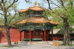 En kiosk i Lama Temple i Peking (Kina) Arkivbild