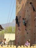 En klättringvägg på den Arizona renässansfestivalen Royaltyfri Fotografi