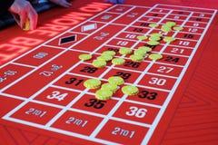 En klassisk kasinorouletttabell Royaltyfri Foto