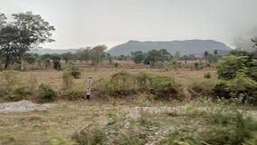 En klick från drevet av kullen arkivbild