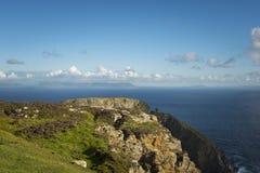 En klippa på Sliabh Liag, Co Donegal på en solig dag arkivfoto