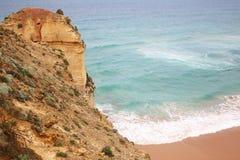 En klippa vid havet Arkivfoto