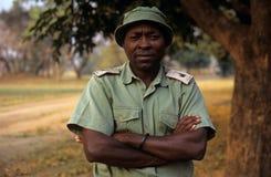 En kommandosoldat på den Gorongosa nationalparken Royaltyfria Bilder