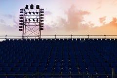 En komplex ställningaktivering för en etapp för en utomhus- konsert Royaltyfri Fotografi