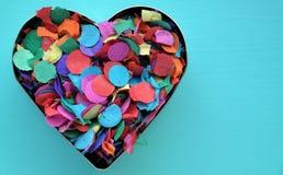 En konfettihjärta Arkivbild