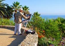 En konstnärmålning i Heisler parkerar, Laguna Beach C Royaltyfri Bild