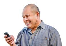 En kontorsgrabb tycker om att prata på mobilen i isolerad backgroun Royaltyfri Bild