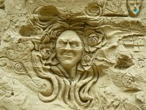 En konungframsida som tillverkar på väggen royaltyfri illustrationer