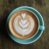 En kopp av den plana sikten för vitt kaffe överst Royaltyfri Foto