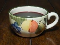 En kopp av Gluhwein Royaltyfri Fotografi