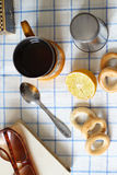 En kopp av tea med citronen Royaltyfri Foto