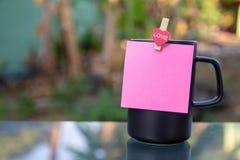 En kopp för svart kaffe arkivfoto