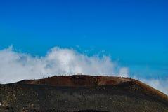 En krater av den Etna monteringen i Sicilien Royaltyfri Foto