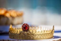 En krona för kristen kyrka royaltyfri bild