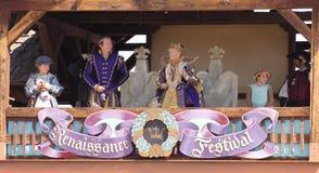 En kungafamiljen på den Arizona renässansfestivalen Arkivfoto
