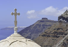 En kupol av en kyrka i Fira, Santorini, Grekland Fotografering för Bildbyråer