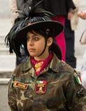 En kvinna från fanfarmusikband Royaltyfri Fotografi