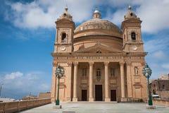 En kyrka i Malta Royaltyfria Bilder