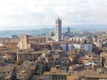 En kyrka i Siena, Italien arkivbild