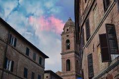 En kyrka i Siena, Italien royaltyfri bild
