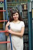 En la biblioteca Foto de archivo libre de regalías
