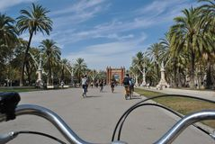 En la bici imagen de archivo libre de regalías