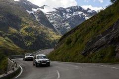 En la carretera de la montaña Imágenes de archivo libres de regalías