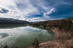En la colina, nubes Imagen de archivo libre de regalías