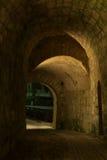 En la entrada del castillo Foto de archivo libre de regalías