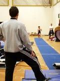 En la gimnasia fotografía de archivo libre de regalías