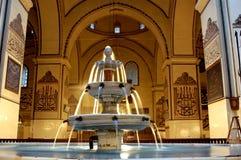 Fuente magnífica de la mezquita de Bursa adentro Imagen de archivo libre de regalías