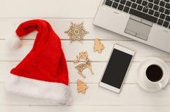 En la línea concepto de las compras del día de fiesta de la Navidad Fotos de archivo libres de regalías