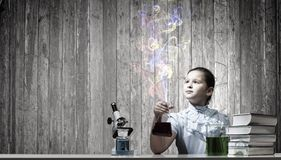 En la lección de la química Fotos de archivo libres de regalías