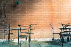 En la luz de la tarde en un café Cree una atmósfera caliente y romántica para los que vean Foto de archivo