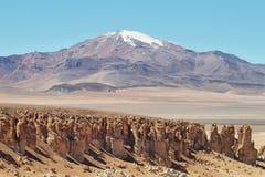 En la manera a Salar de Tara, Chile Imagenes de archivo