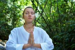 En la meditación Imagenes de archivo