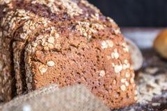 En la panadería, aún vida con pan Imagenes de archivo