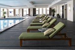 En la piscina interior Foto de archivo