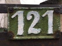 121 en la placa de la casa Fotos de archivo libres de regalías
