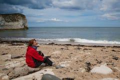 En la playa en la cabeza de Flamborough, Bridlington en Yorkshire, Inglés Foto de archivo libre de regalías