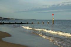En la playa en Bournemouth Imagenes de archivo