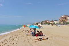 En la playa en el ` Estrac de Caldes d, España Fotografía de archivo