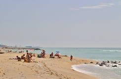 En la playa en el ` Estrac de Caldes d, España Fotos de archivo