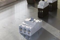 En la protección del disyuntor y del motor de poder del panel del montaje Fotos de archivo libres de regalías