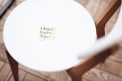 En la silla son los pernos de dibujo Imagen de archivo
