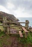 En la trayectoria Cornualles Inglaterra Reino Unido de la costa Fotos de archivo libres de regalías
