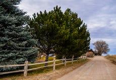 En landsväg i Wyoming Royaltyfri Fotografi