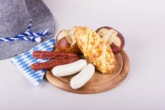 En lantlig bavarianfrukost Arkivfoto